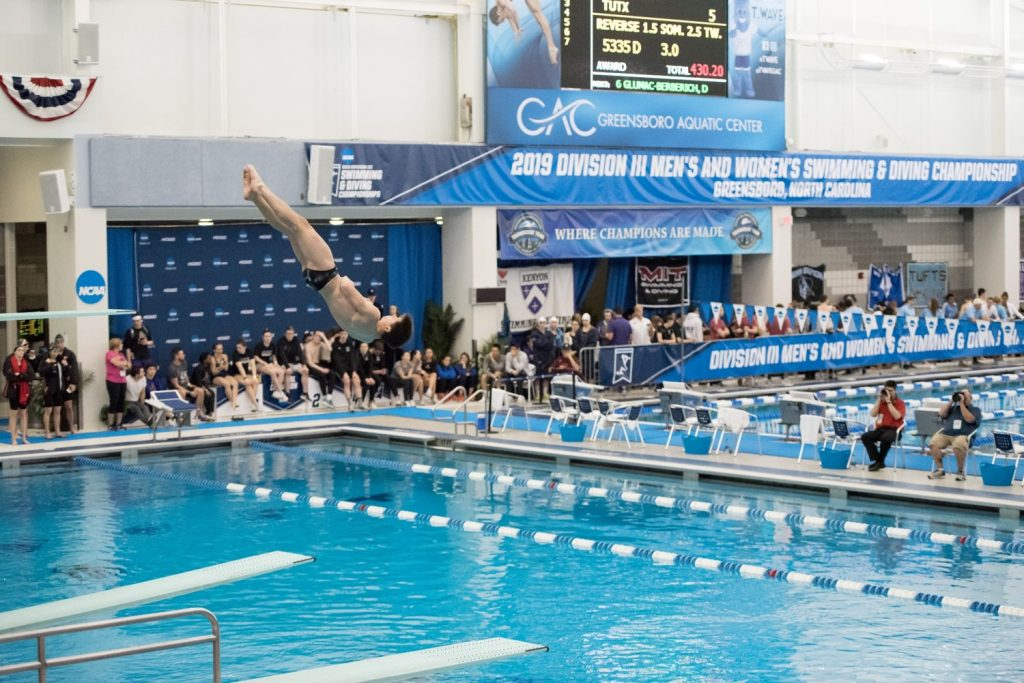 This image has an empty alt attribute; its file name is NCAA-DIII-diving-2-1024x683.jpg